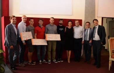 foto di gruppo conclusiva del progetto amazon innovation award 2017
